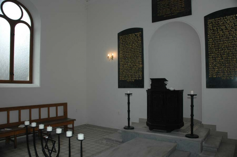 obřadní síň - hřbitov