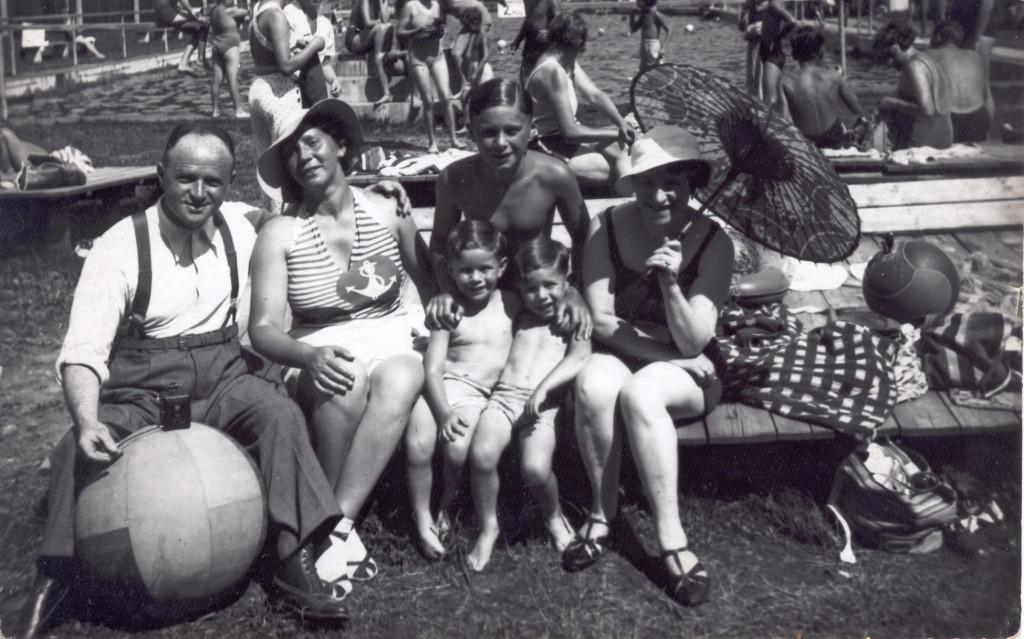 Brochovi s Eliškou Groákovou (zcela vpravo)