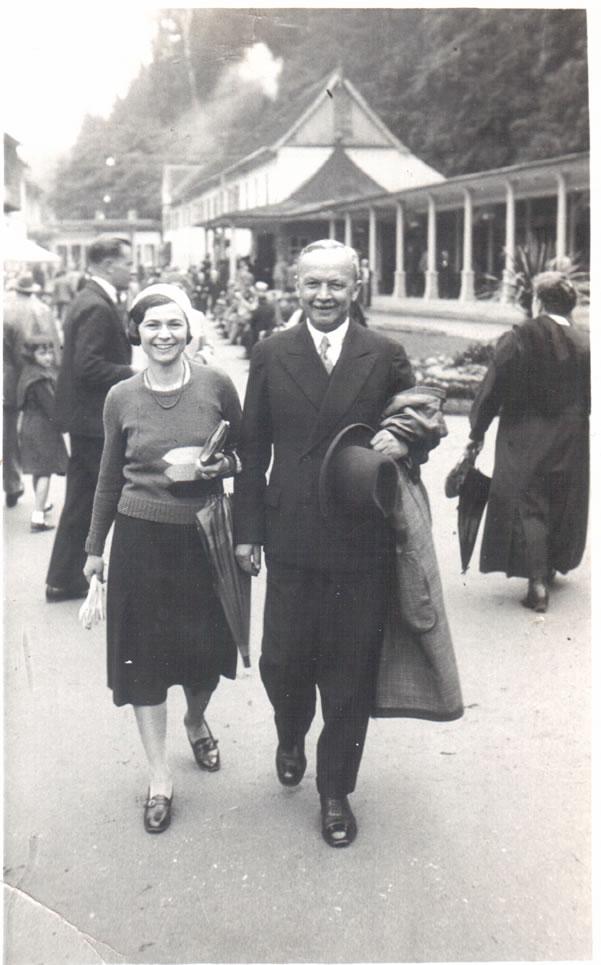 Vilém Mandl s dcerou Hedvikou_nedat