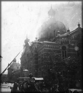 Synagoga hoří (15. března 1939)