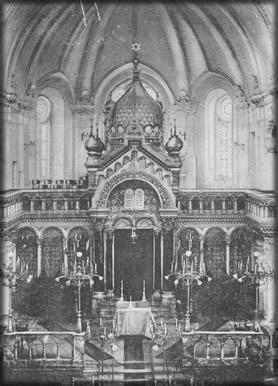 Vnitřní prostor synagogy